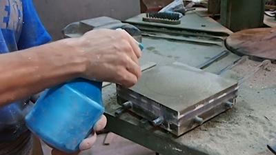 Como se fabrica una baldosa hidraulica for Fabrica de baldosas en santiago